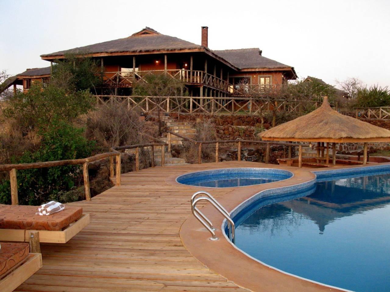 lodge-safari.jpg